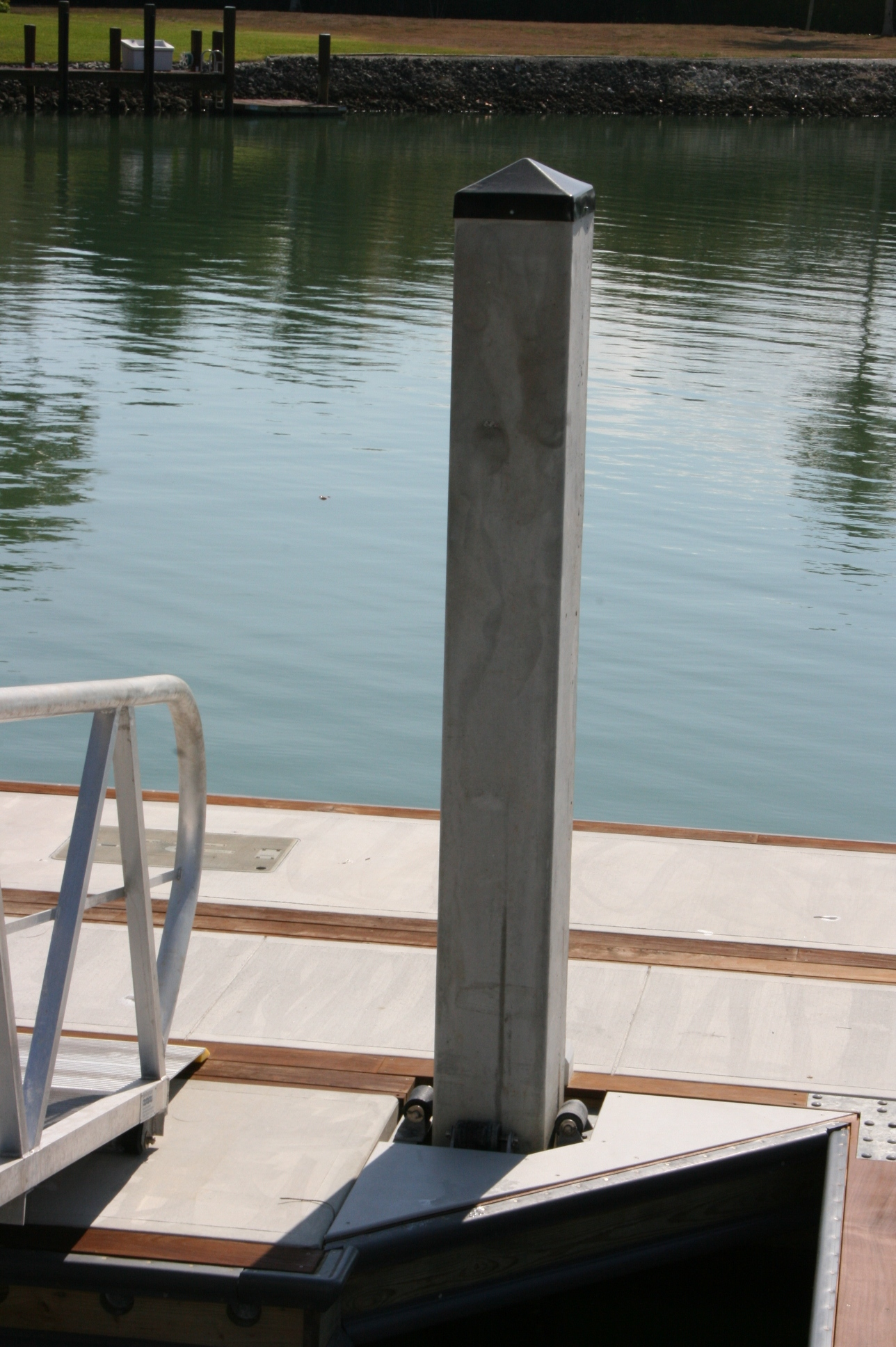 how to build a concrete floating dock